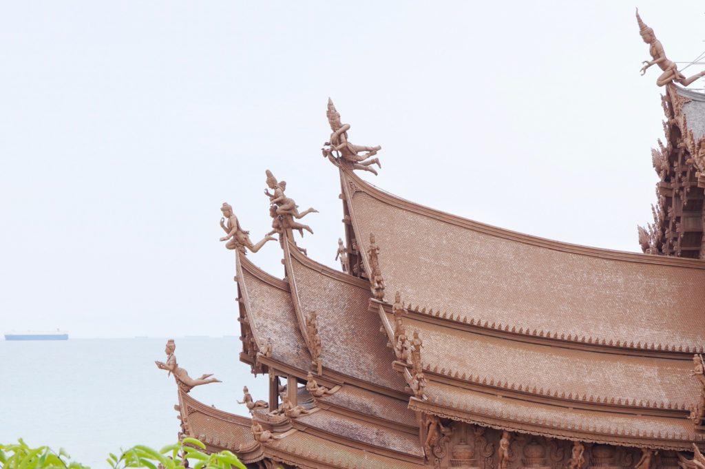 神像の装飾