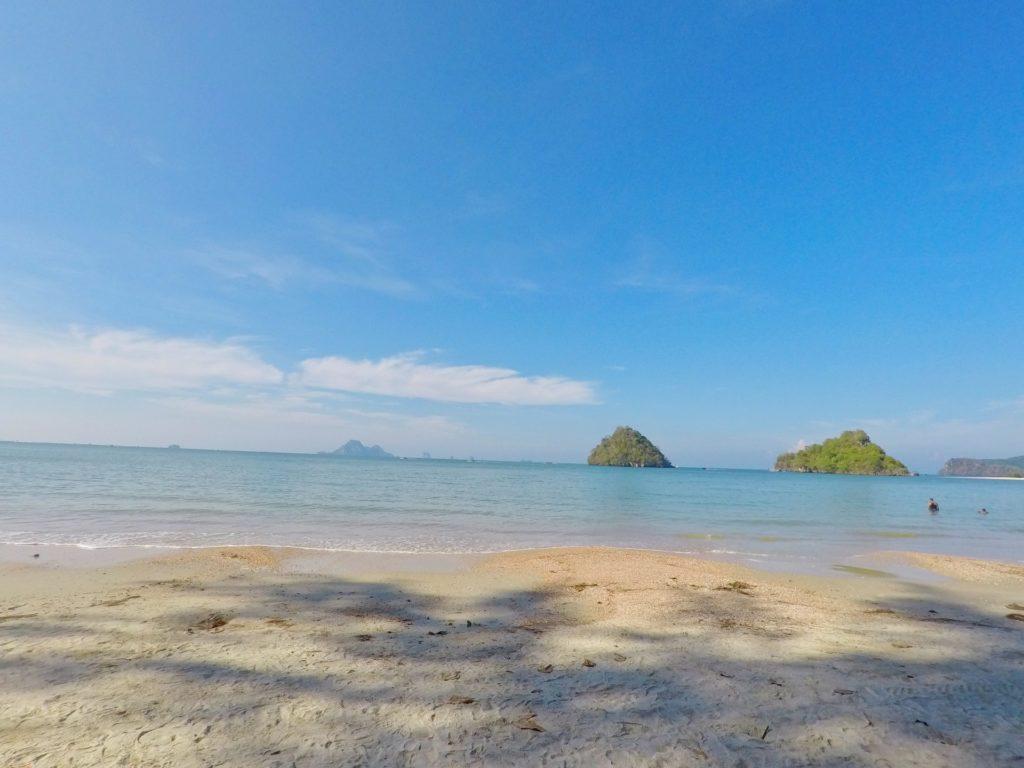 アオナンのビーチ