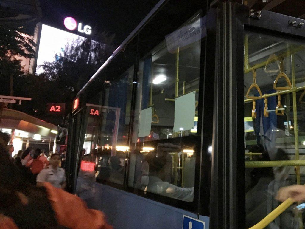 バスの外観